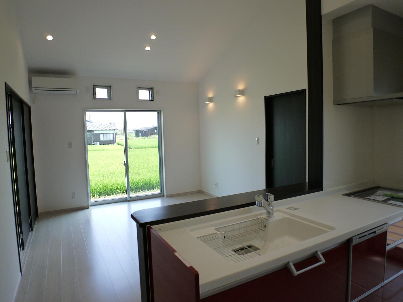 開放感のある平屋のキッチン