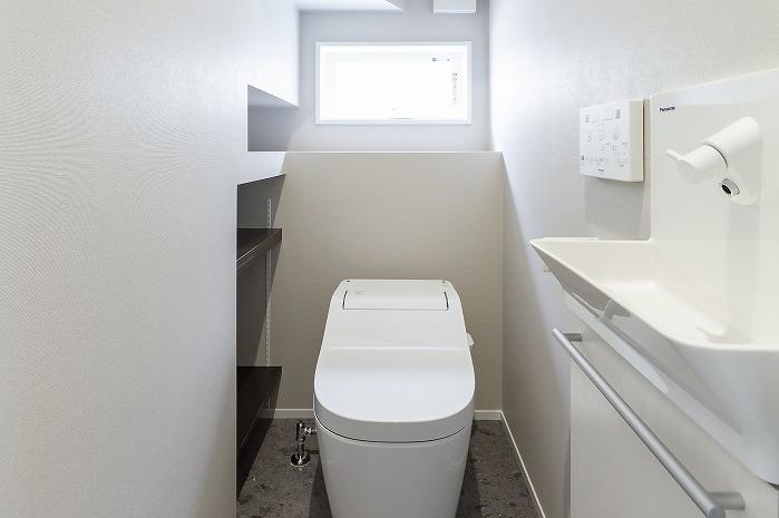 暮らしのこだわりいっぱいの家のトイレ