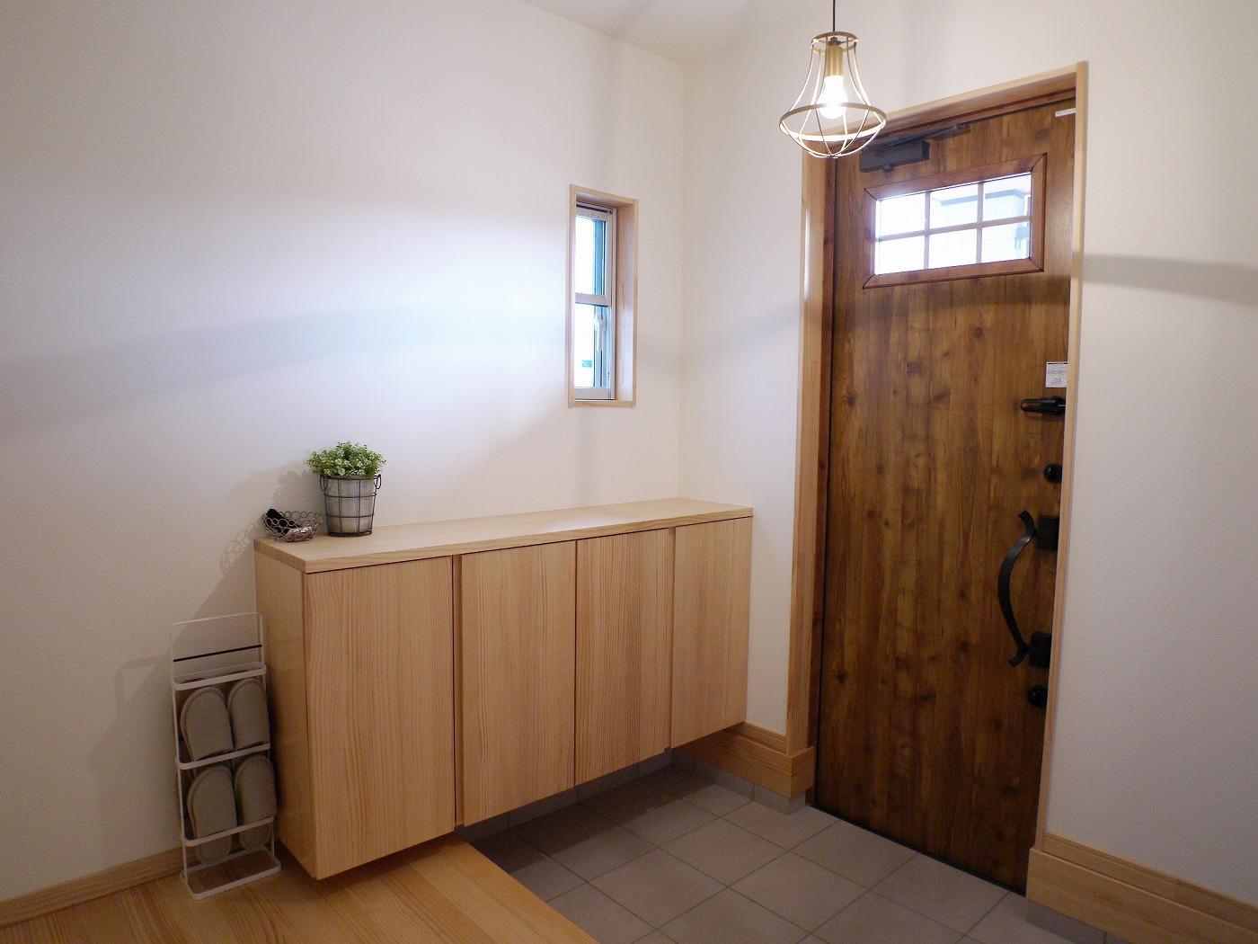 高松市の新築注文住宅の玄関