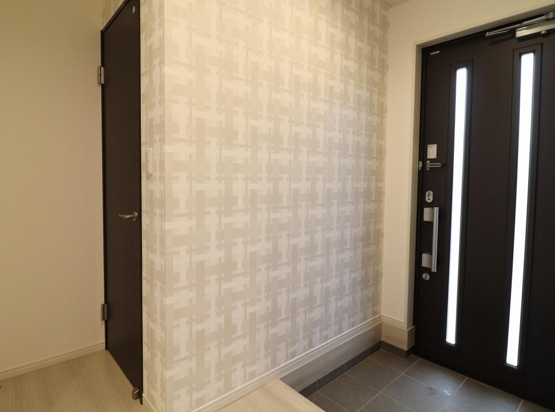 高松市林町の新築建売住宅の玄関