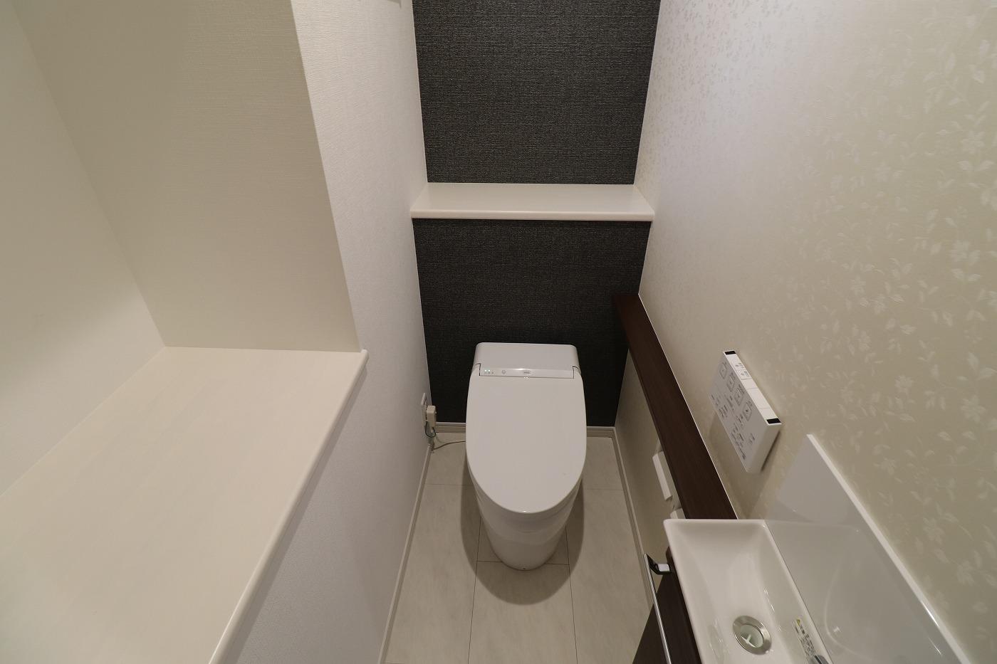 高松市林町の新築建売住宅のトイレ