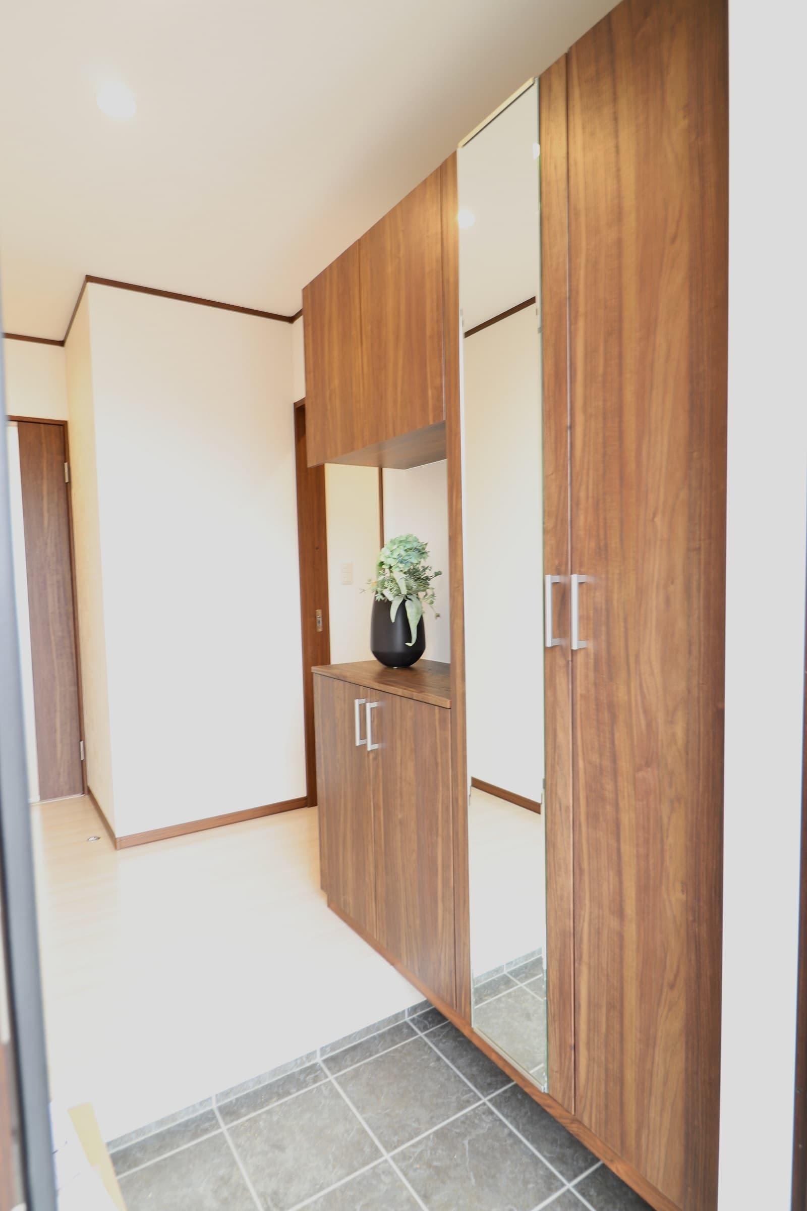 高松市六条の新築分譲住宅お客様を迎える玄関