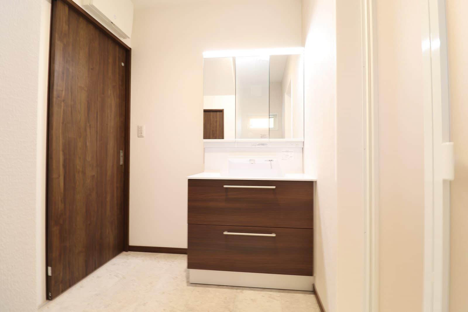 高松市六条の新築分譲住宅収納充実の洗面化粧台