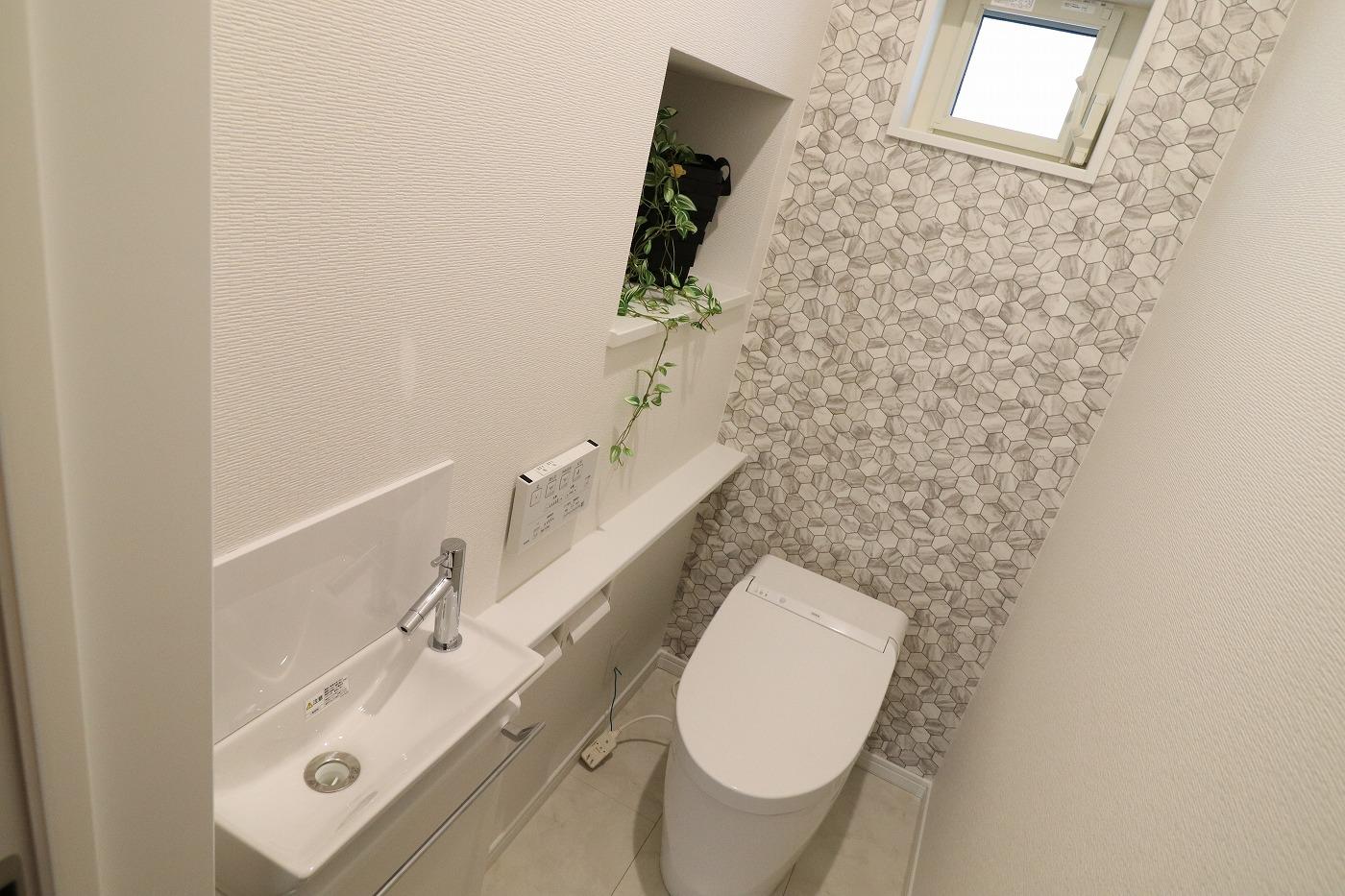 高松市木太町の建売住宅のトイレ
