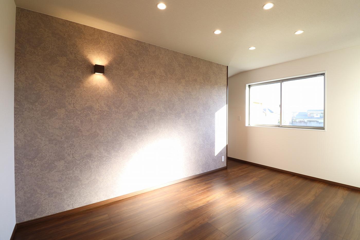 高松市木太町の建売分譲住宅の寝室アクセントクロス