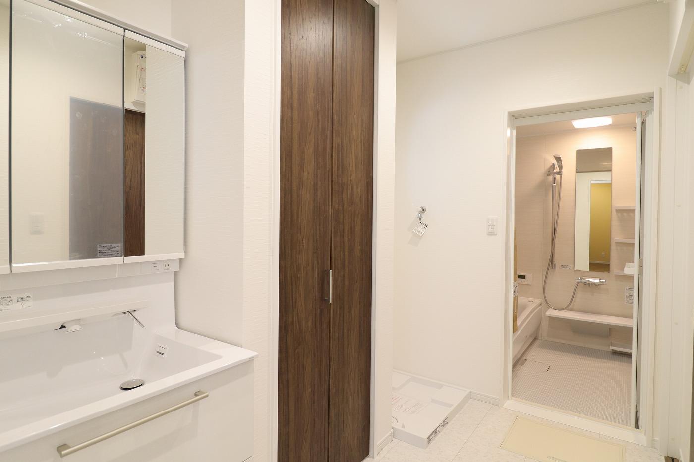 高松市木太町新築分譲建売住宅の洗面脱衣室