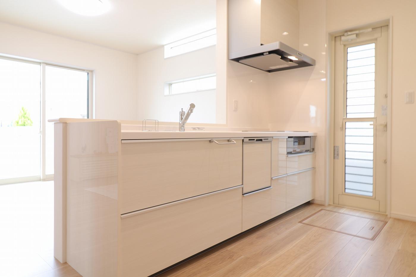高松市六条町の新築分譲住宅のキッチン