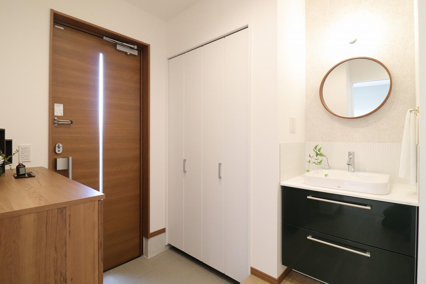 高松市仏生山町の新築建売住宅の玄関手洗い